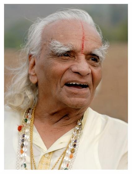 Guruji - BKS Iyengar - Twórca metody